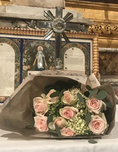Baptême - Bouquet à la Vierge - Cathédrale saint Castor Nîmes