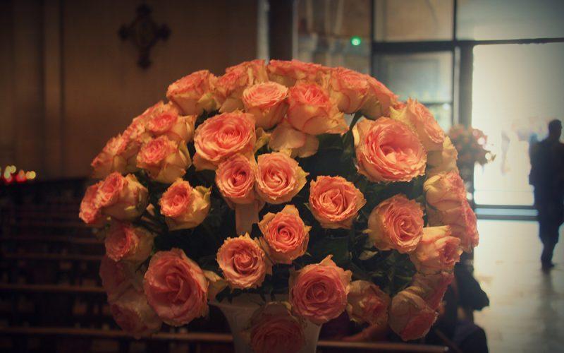 Décoration d'église, bouquet en vase Médicis